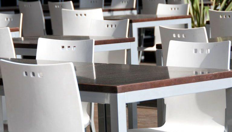Noleggio tavoli e sedie milano chiama ora per maggiori informazioni